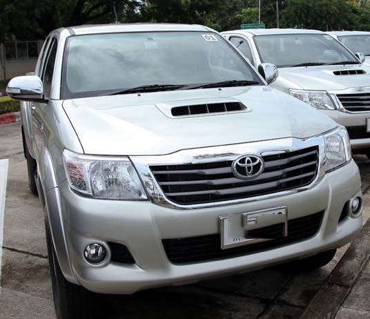 toyota-hilux-vigo-champ-smart-cab-25-at-2013-05
